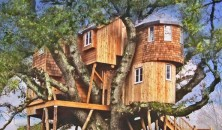 /upload/2400.Treetops-Treehouse.png
